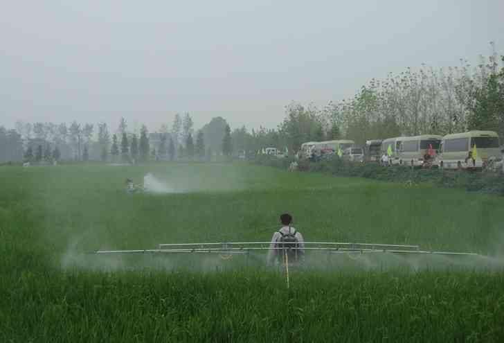 供应水田喷雾器